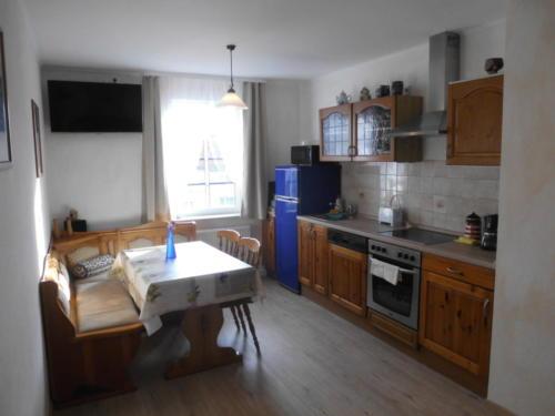 Apartment 2: Wohn-/Essbereich